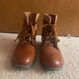 Shoes - Brown boots (PRICE IS NEGOTIABLE)